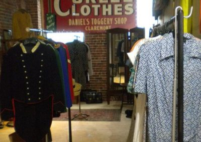 vintage fashion and clothing at sowa vintage market boston